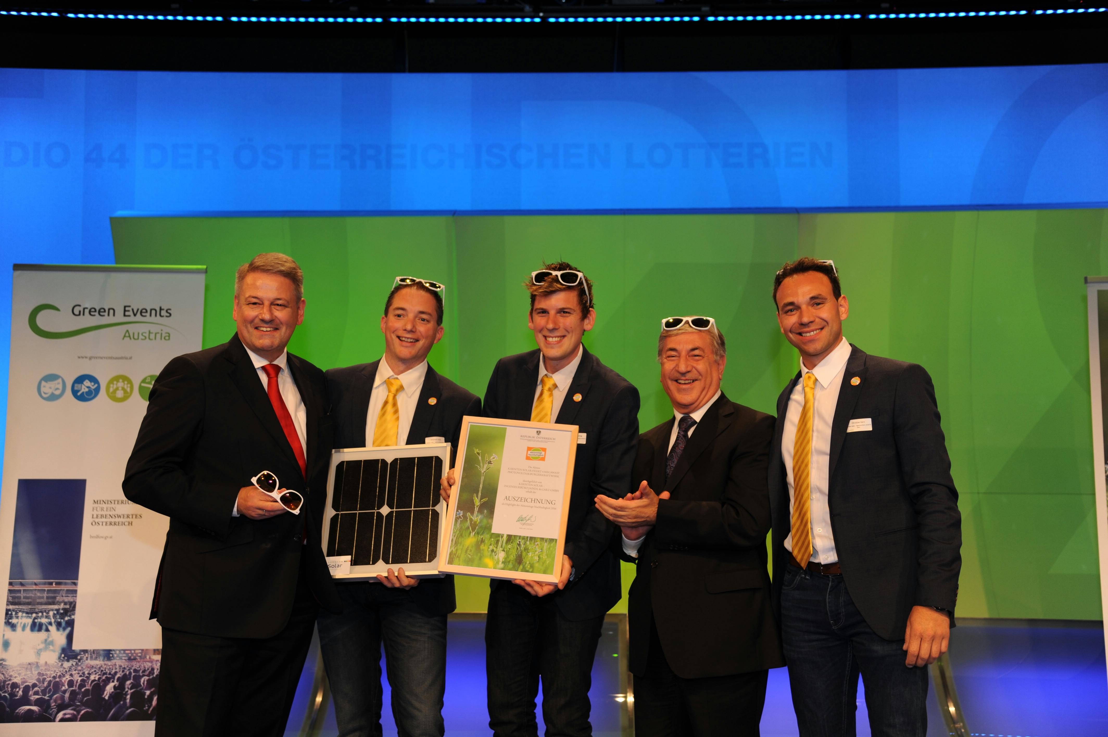 Die Top 4 Aktionen aus dem Online-Voting der österreichweiten Initiative für nachhaltige Entwicklung werden von BM Rupprechter ausgezeichnet.